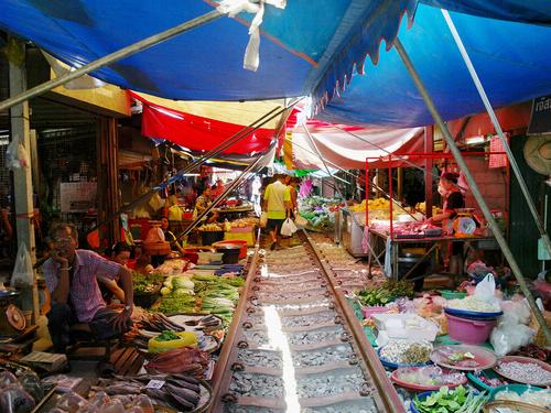 曼谷→安帕瓦水上市场包车一日游