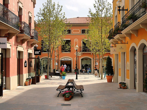 La Roca Village Outlet One-day Tour (from Barcelona)