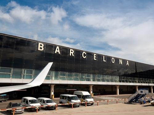 Barcelona Airport Pick Up→Barcelona Downtown