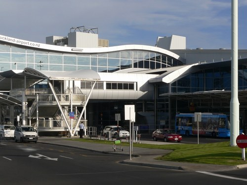 Auckland Airport Pick Up→Auckland Downtown