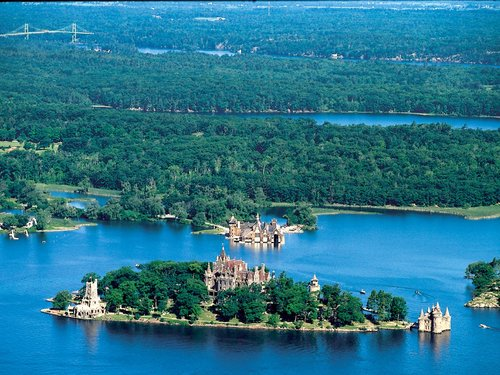 Thousand islands One-Day Tour (From Toronto)