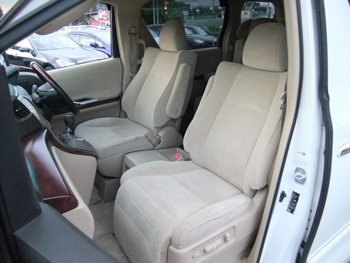 Passenger seat row1 1